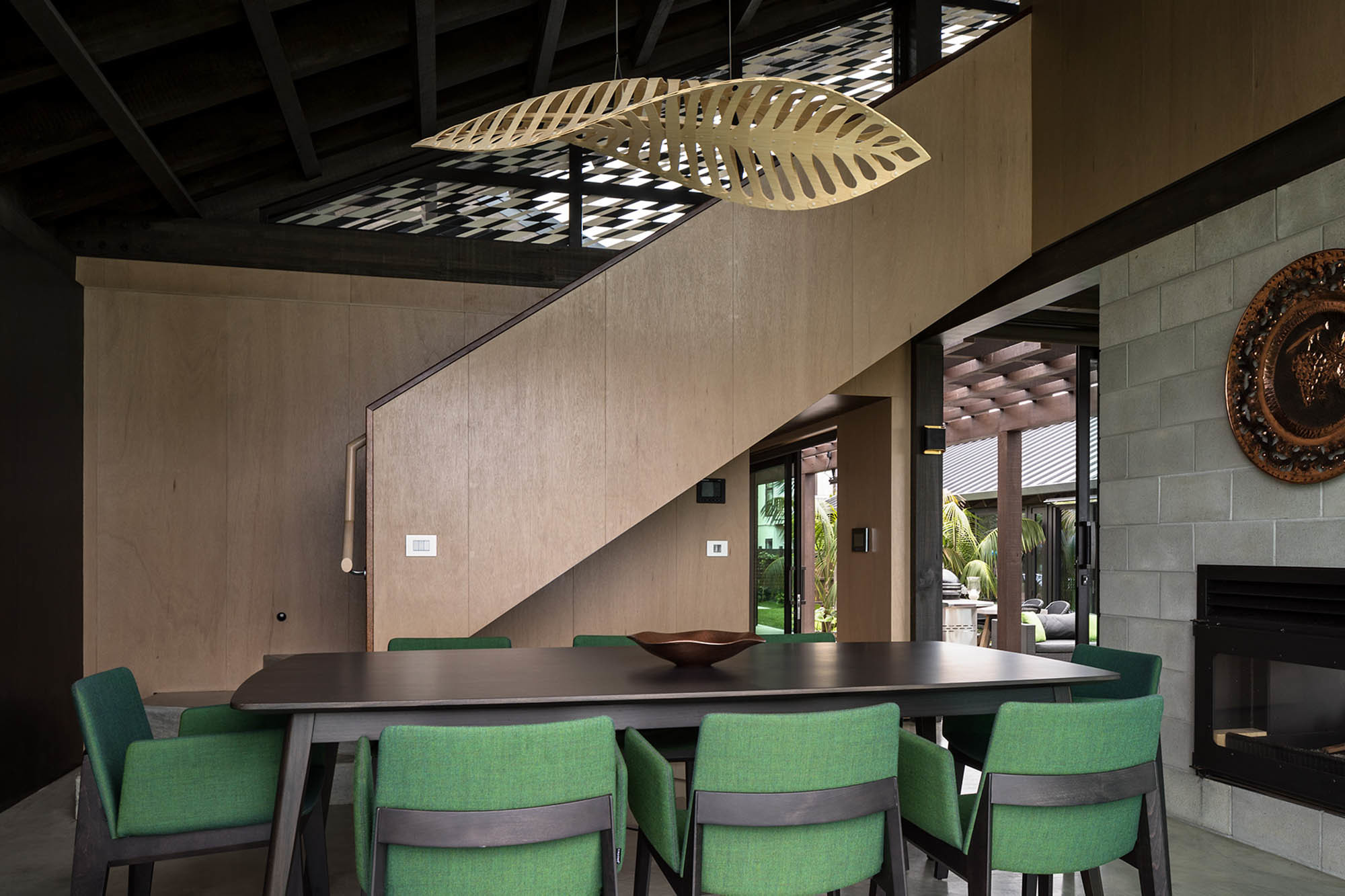 Navicula L 0006 David Trubridge Navicula 1500 Feature Bamboo Over Dinning Table Sustainable Light Fixture Photo Simon